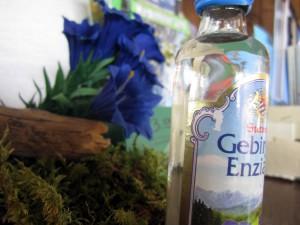 Enzian Flasche